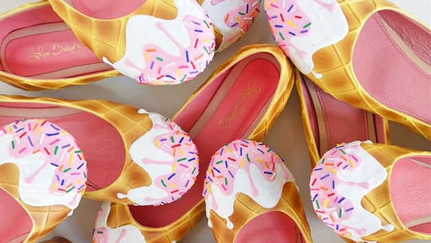 pink-syrup-ice-cream-flats-group